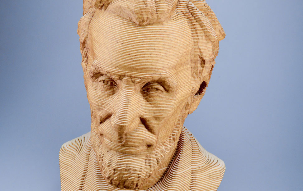 Bust Lincoln 3D taiat laser din carton