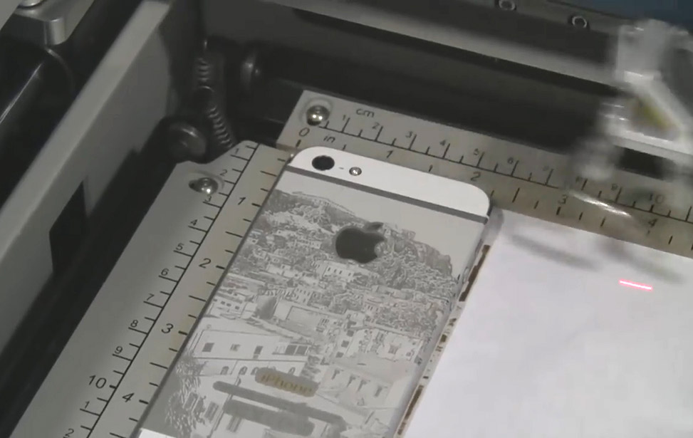 iPhone 5 Laser Engraving Greece Photo