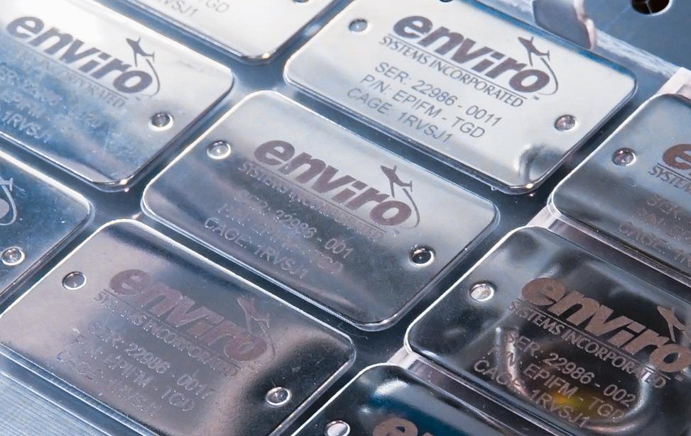 ファイバー レーザーで刻印した複数の金属